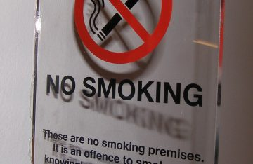 perspex no smoking