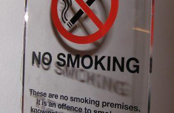 perspex no smoking